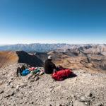 Pause au sommet du mont Mounier