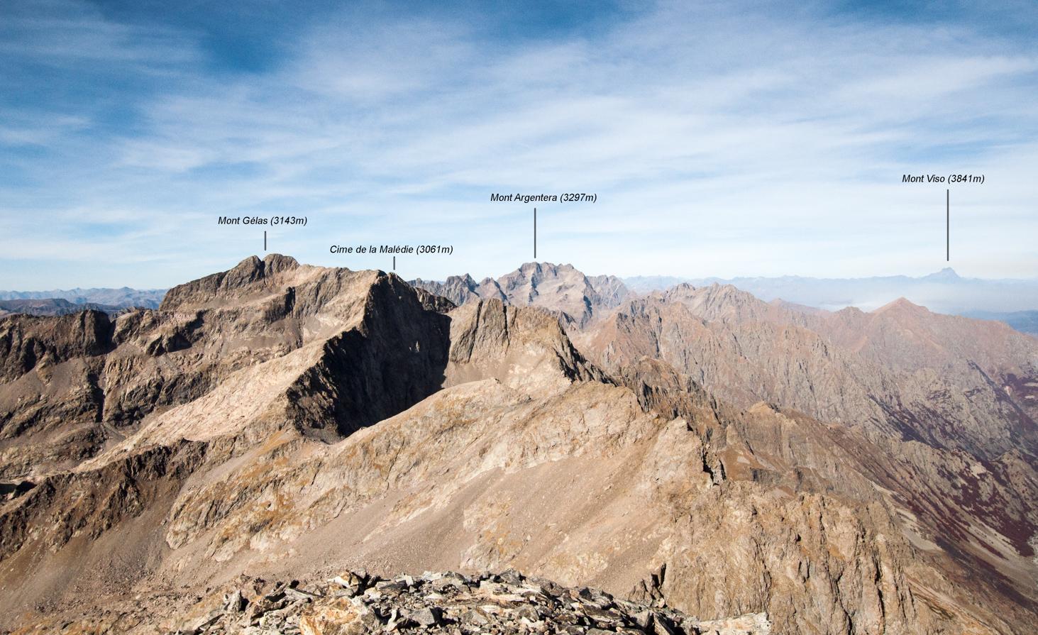 Vue des montagnes depuis le mont Clapier